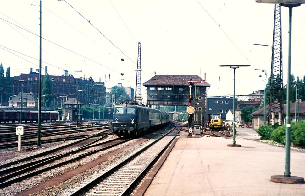 https://posten17.de/wp-content/uploads/2018/01/110-244-1-Wuppertal-Oberbarmen-07.1973-970x625.jpg