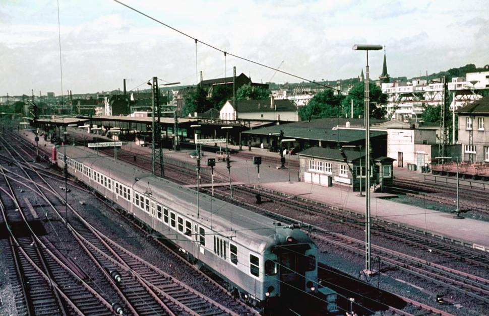 https://posten17.de/wp-content/uploads/2018/01/Steuerwagen-Wuppertal-Oberbarmen-1970-970x628.jpg